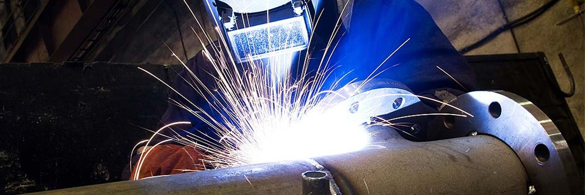 CEPRO PROTECTS BYSTANDERS AGAINST THE DANGERS OF WELDING AND GRINDING THROUGH CERTIFIED PRODUCTS